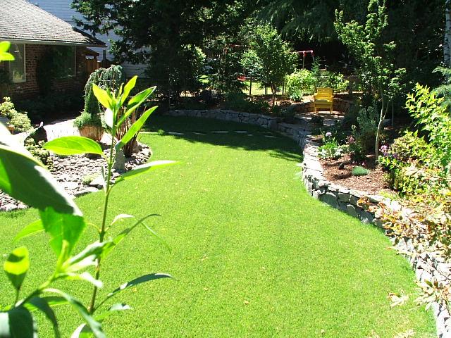 Preferred landscape portland oregon lawn maintenance for Basic garden maintenance
